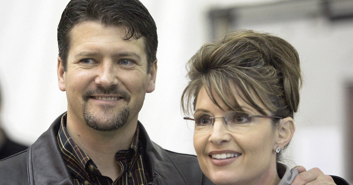 'Impossible to live together': Todd and Sarah Palin file for divorce - Washington Examiner