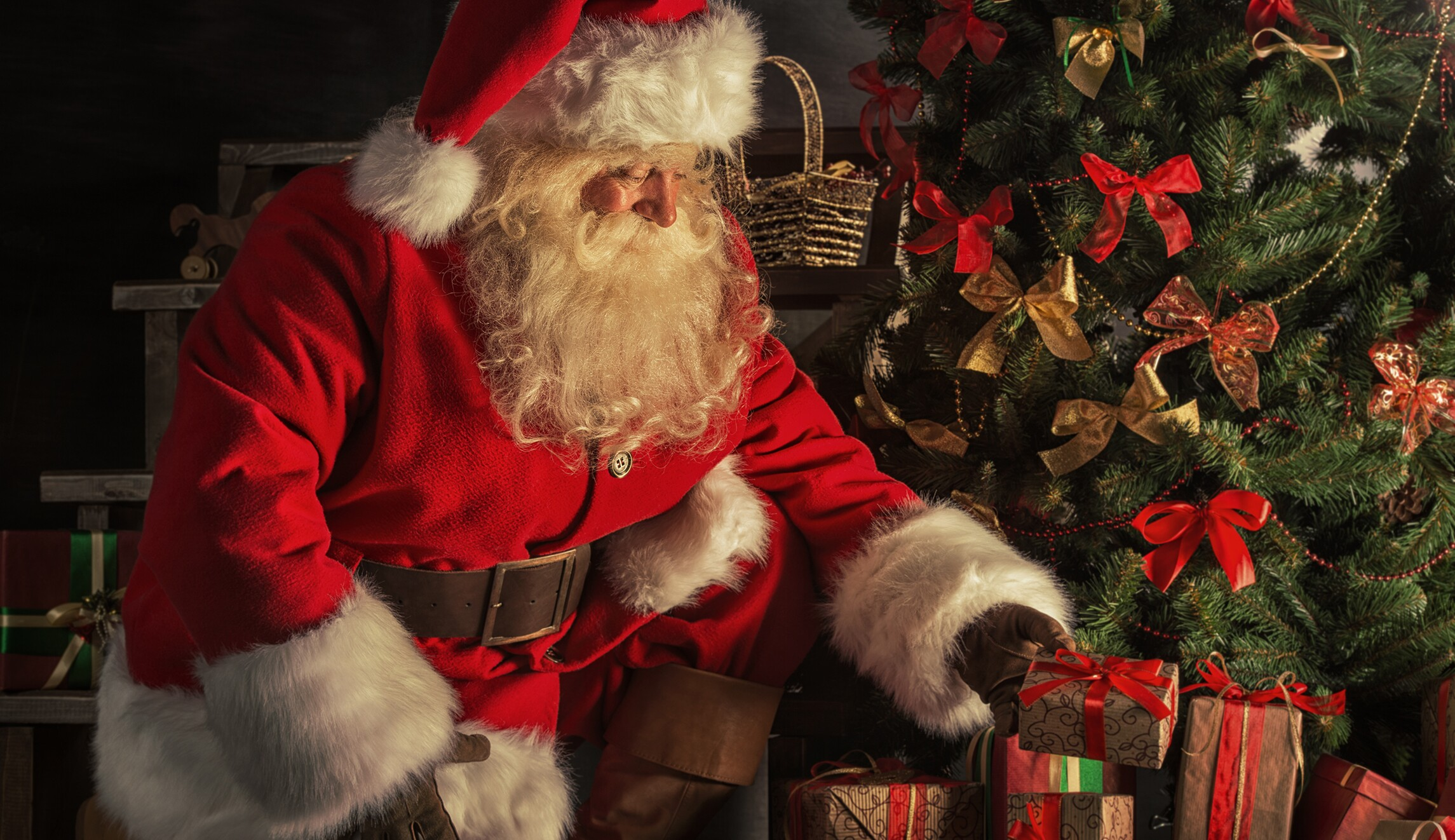 Air Force Confirms Santa Claus Isnt Real While Chiding Quarreling Bases On Twitter