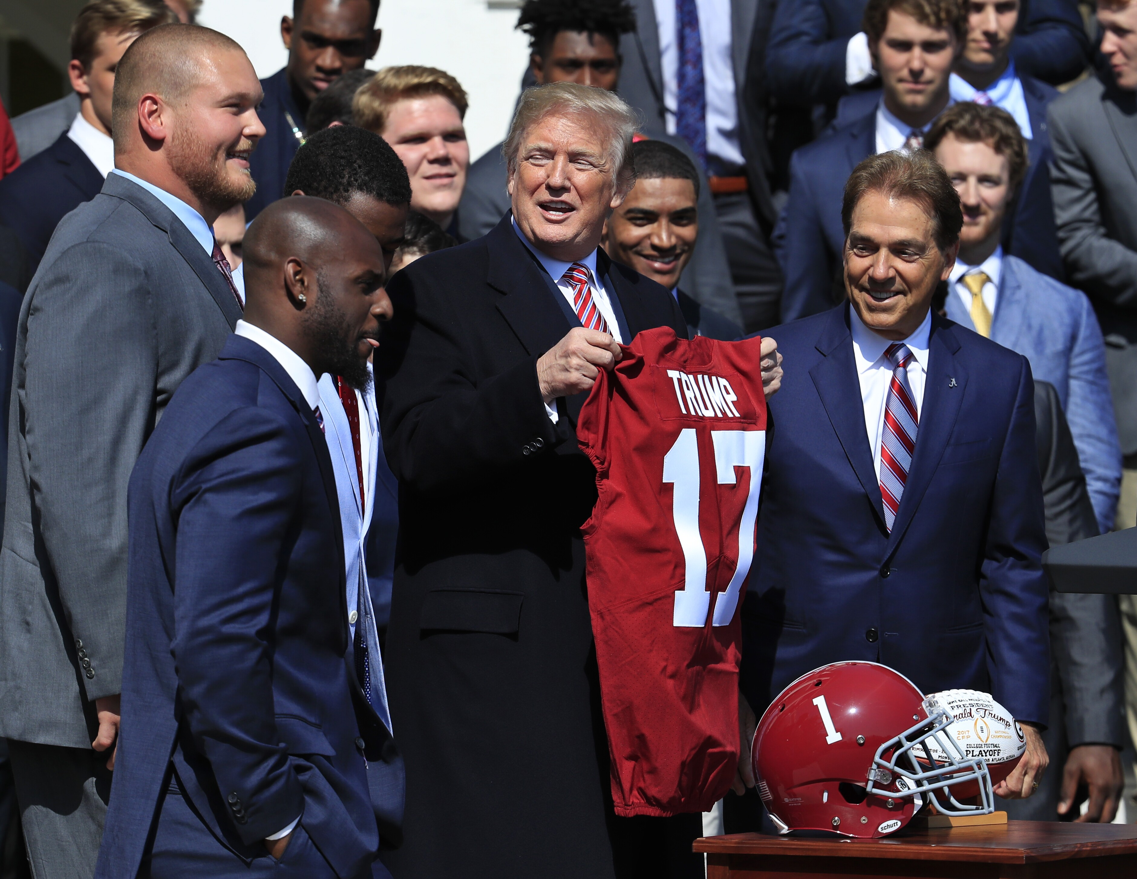 sports shoes 76ae9 ef5ac Alabama football champs 'honored' to visit White House; no ...