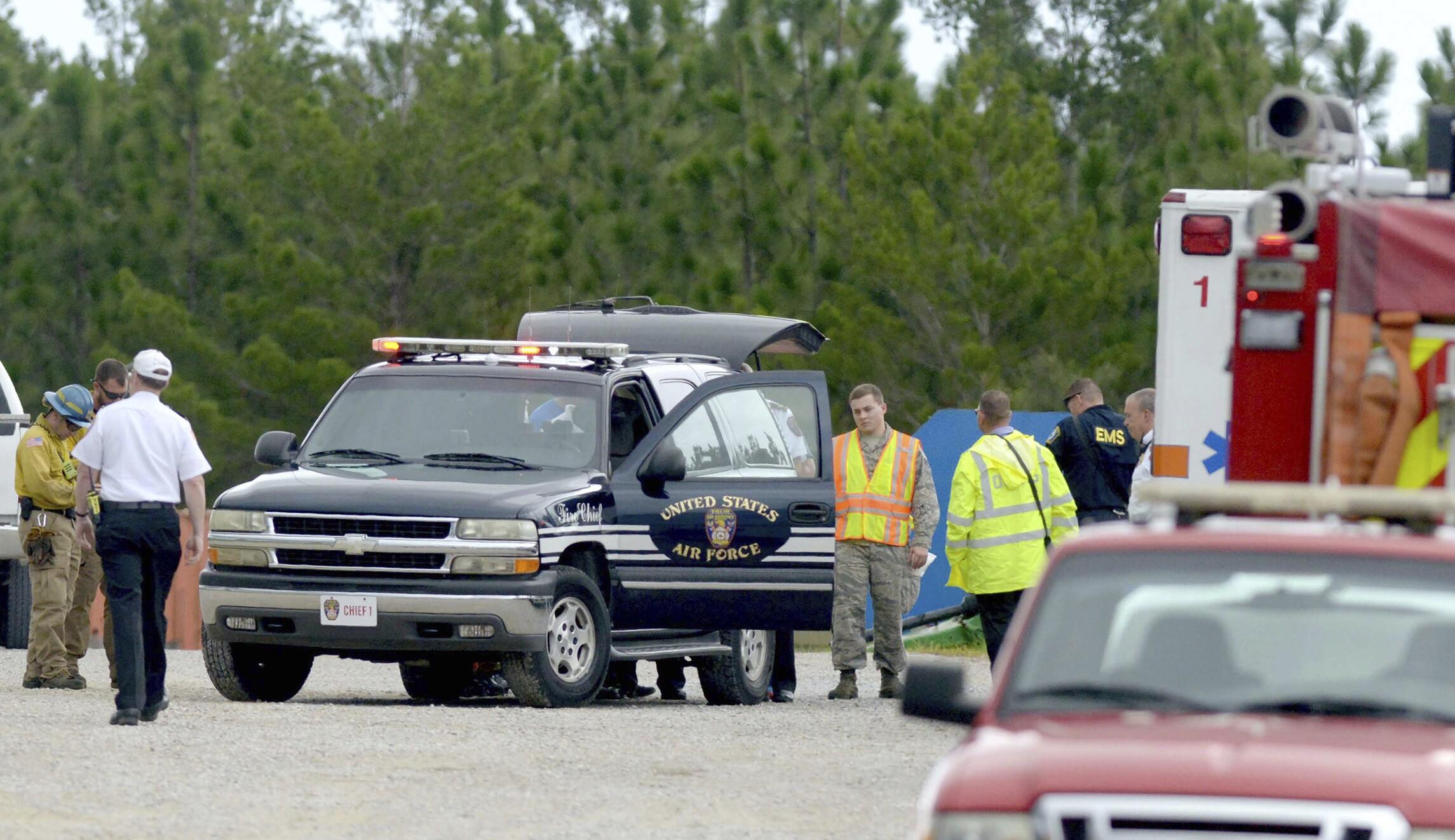 4 killed in civilian plane crash near Air Force base in Florida