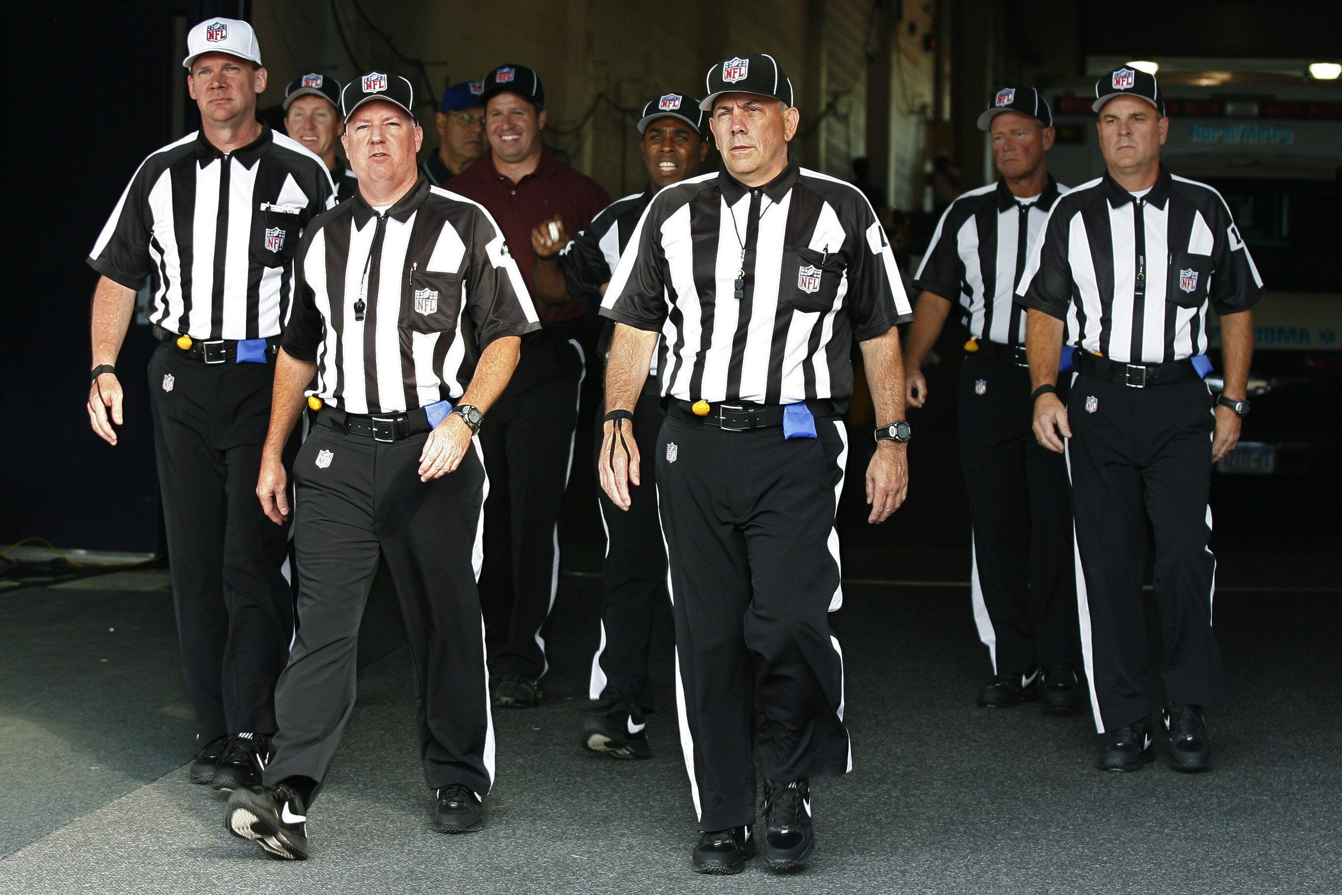 Nfl Referees Reach Labor Agreement To End Four Month Lockout