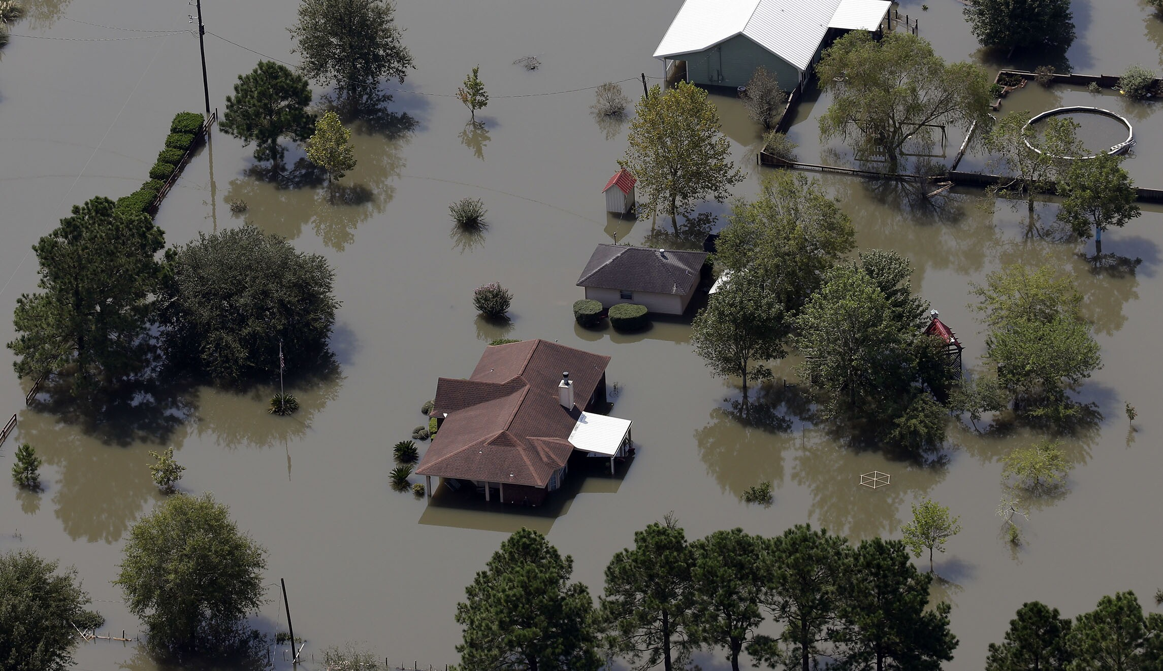 many people in flood prone areas go without insurance