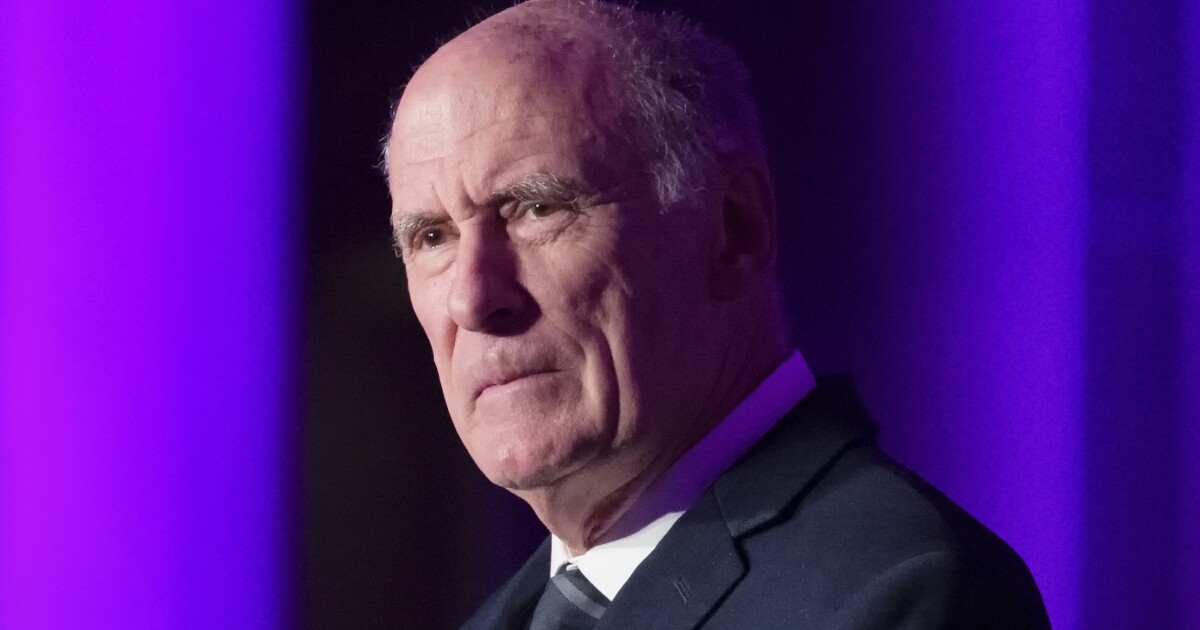 Intel chief Dan Coats: Media outlets need to 'step up'