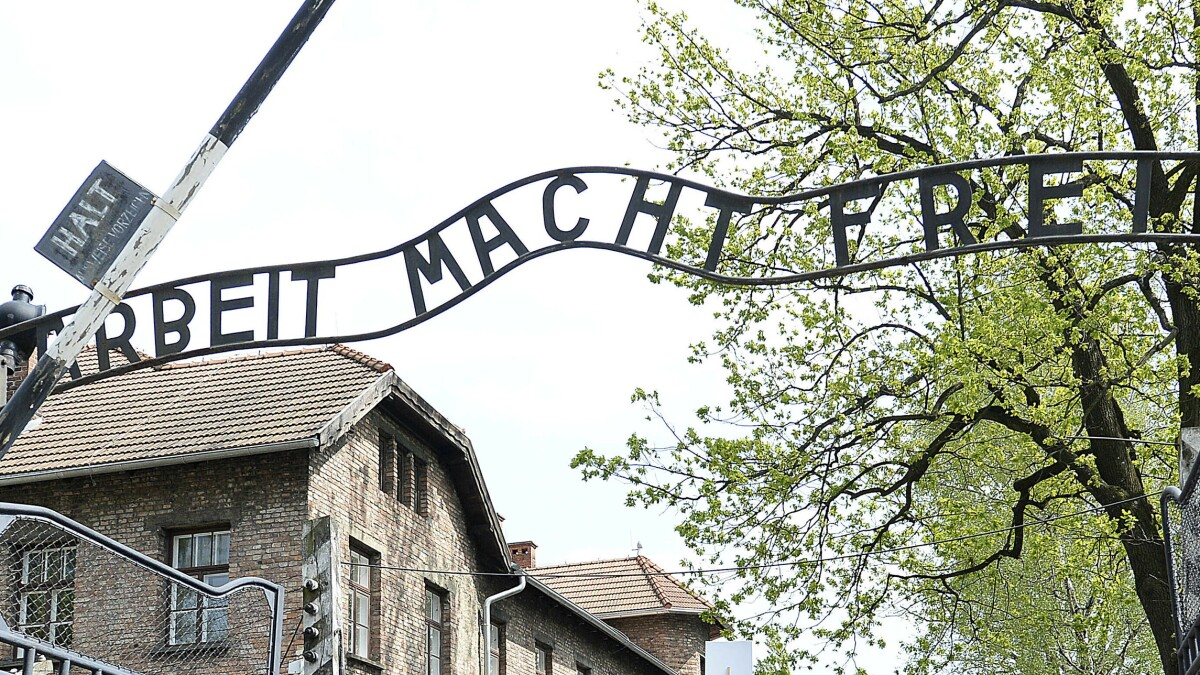 Army commander suspended for using Auschwitz slogan to encourage recruitment