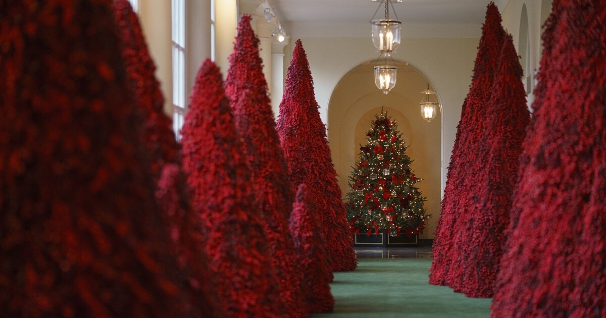 Give Melania Trump A Break The White House Christmas Decorations