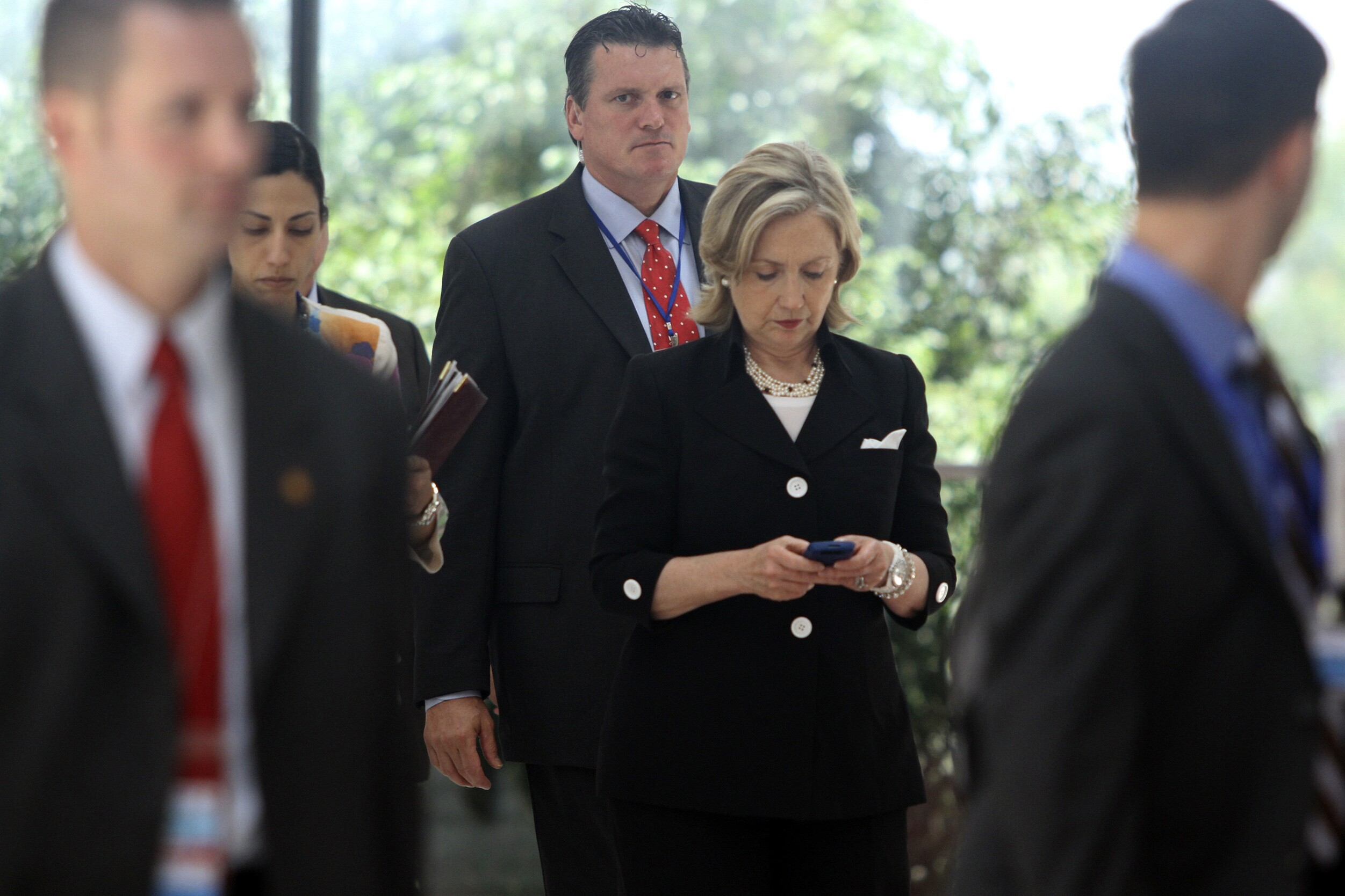 Docs show State Dept  advised Clinton against Blackberry use