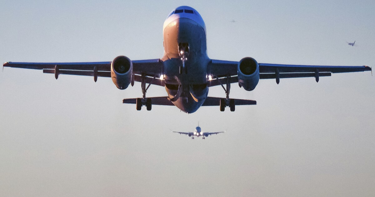 Airlines say booming US economy led to record summer travel