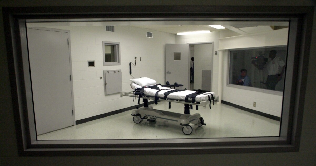 Appeals court lifts block on first federal execution...