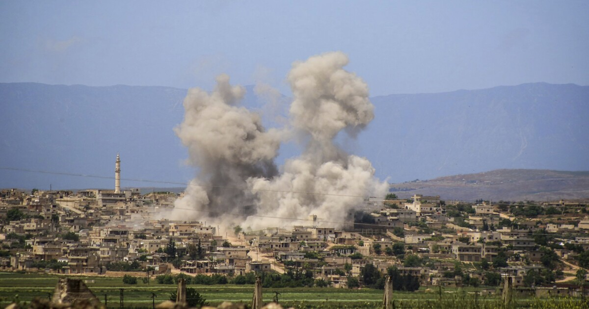 Russia prepares 'crushing' offensive in Syria