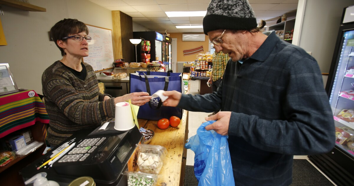 Congress set to battle over food stamps work requirement