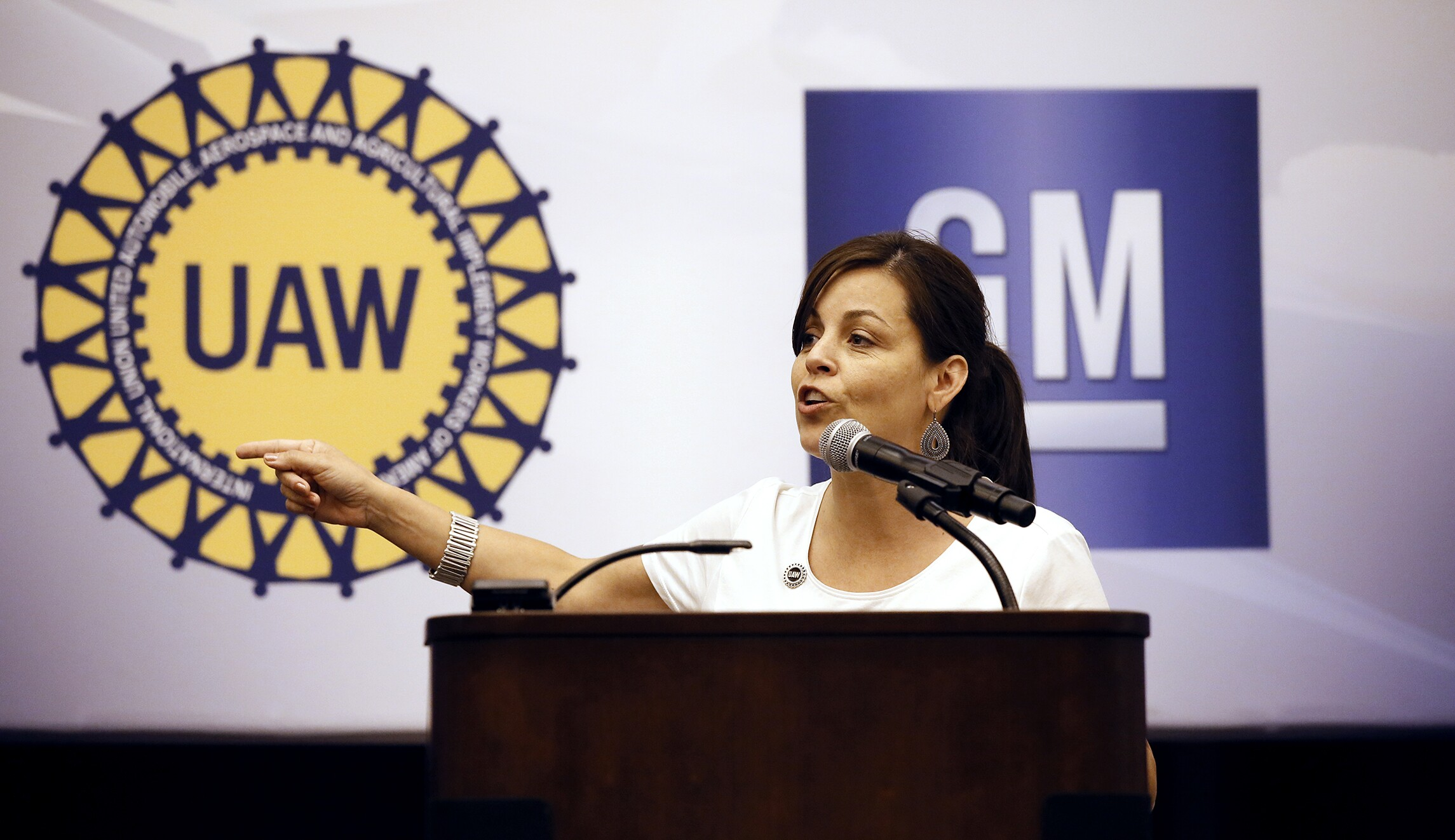 Top UAW official re-elected as feds investigate her role in