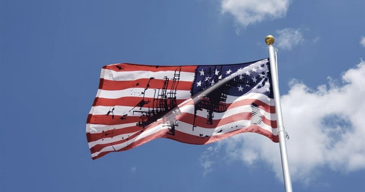 University of Kansas flies blackened American flag to represent American polarization