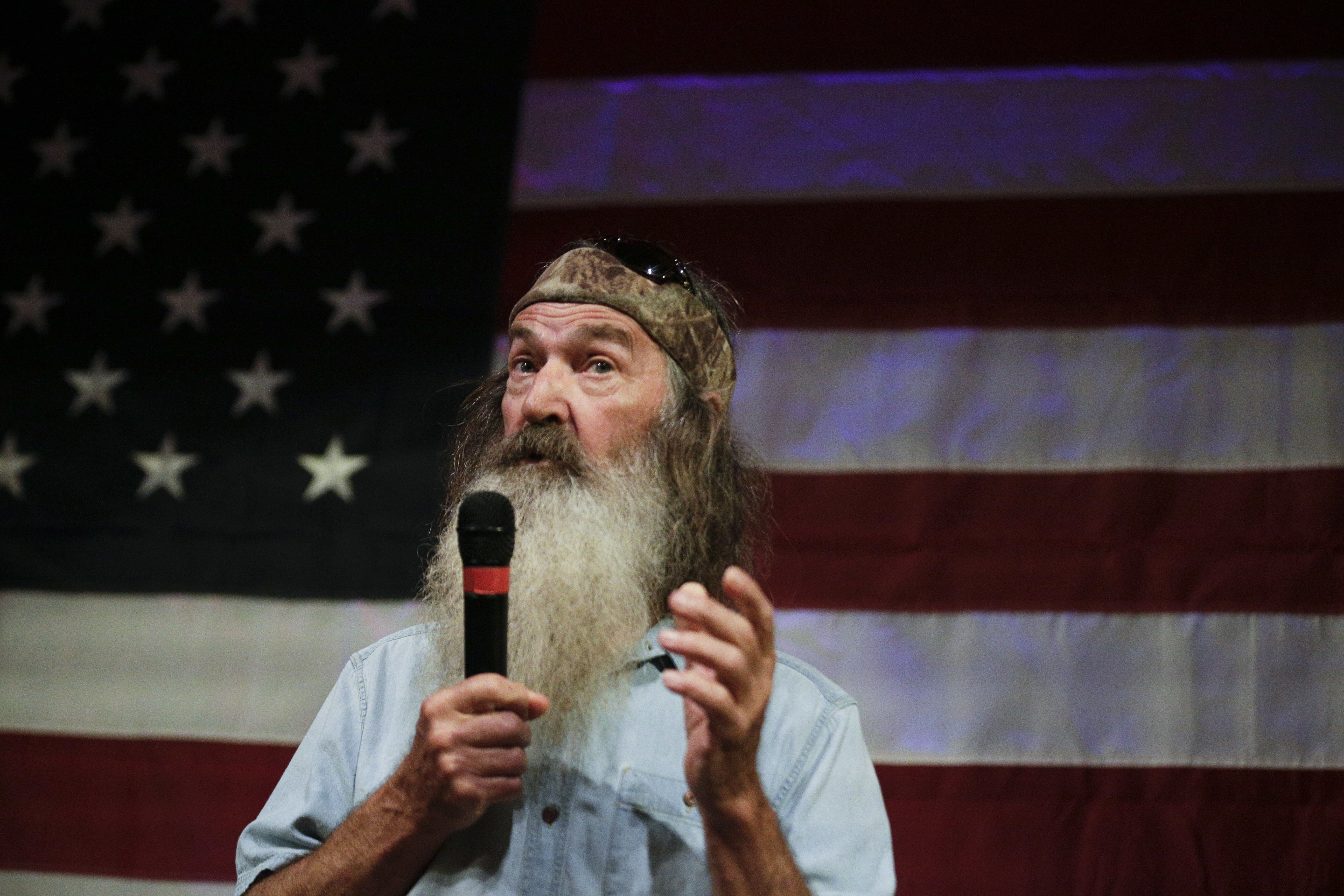 Duck Dynasty\'s Phil Robertson slams \'breed all the chicks\' Weinstein