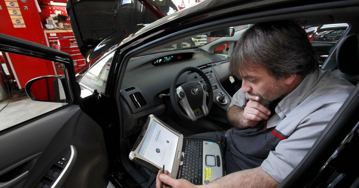WikiLeaks warns CIA can hack cars for assassinations