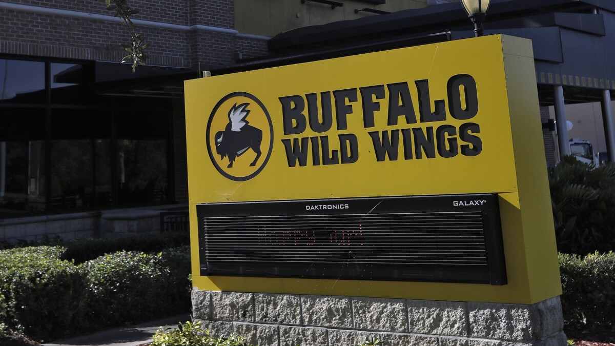 Buffalo Wild Wings reneges on canceling Trump rally watch party after backlash, restaurant says it was 'misunderstanding'