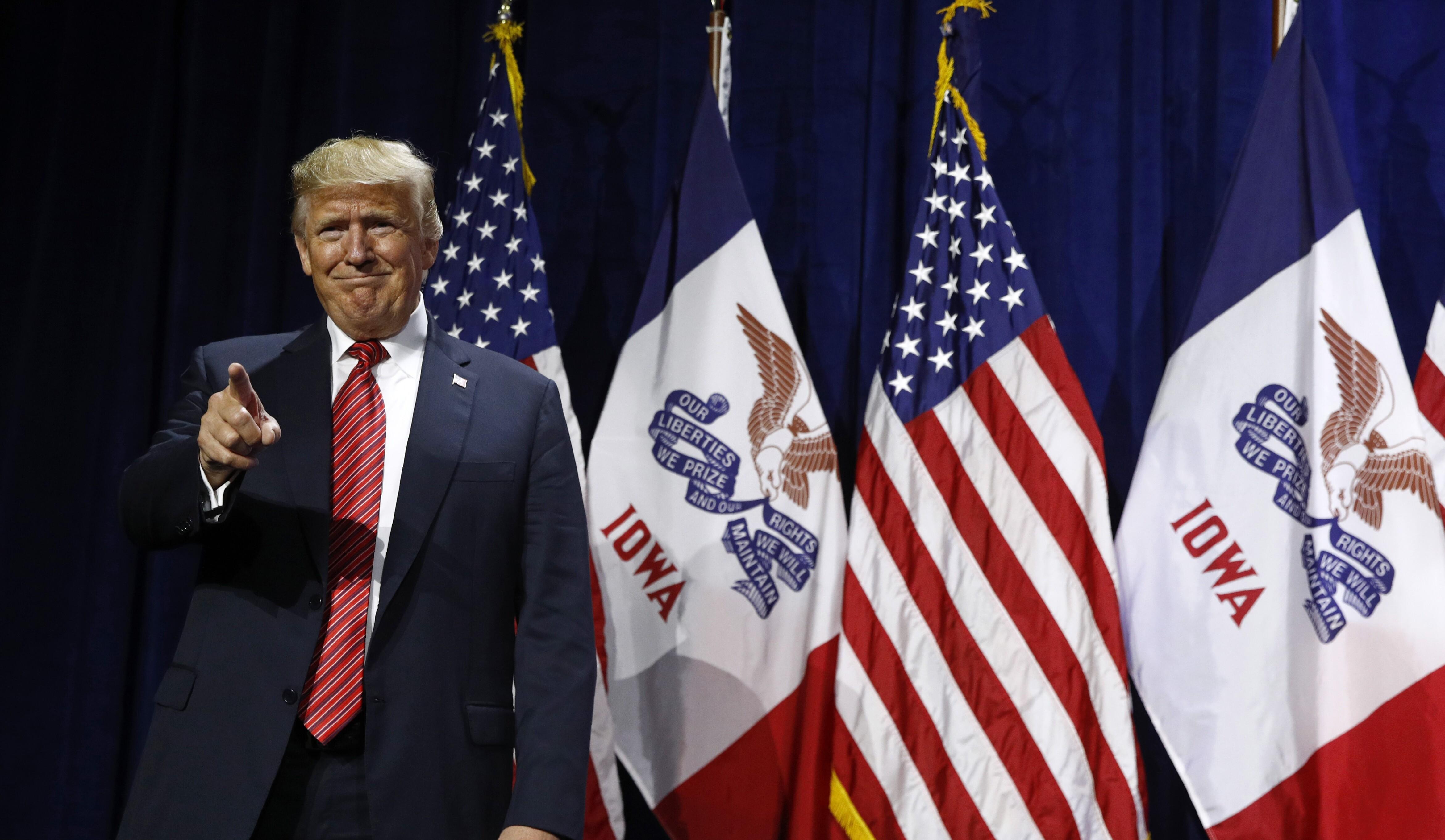 Iowa 2020: Just 7% call impeachment 'important,' Trump beating Warren, Biden