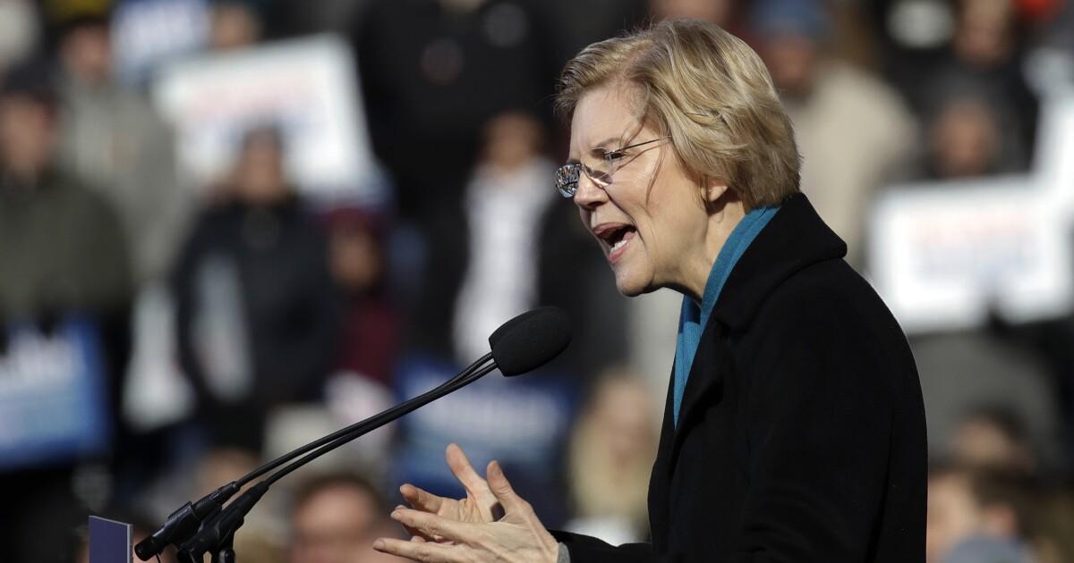 Elizabeth Warren supporters walk out of her launch speech on live TV