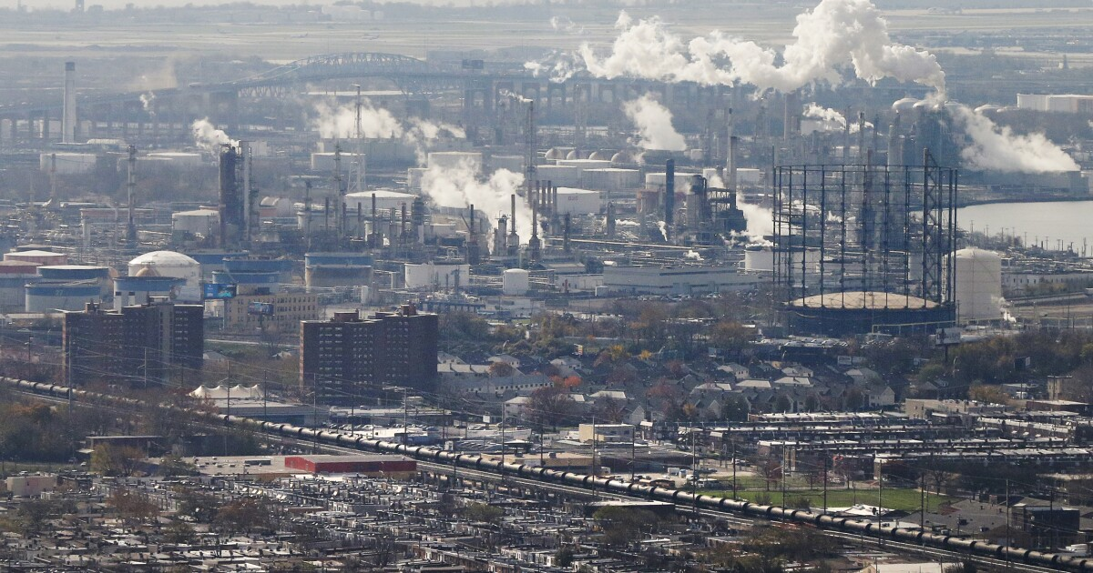 Federal court grants oil refiners a victory in ethanol waiver battle