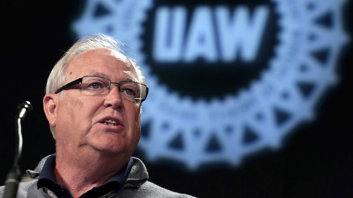 Feds investigating current and former UAW union bosses for yearslong embezzlement scheme