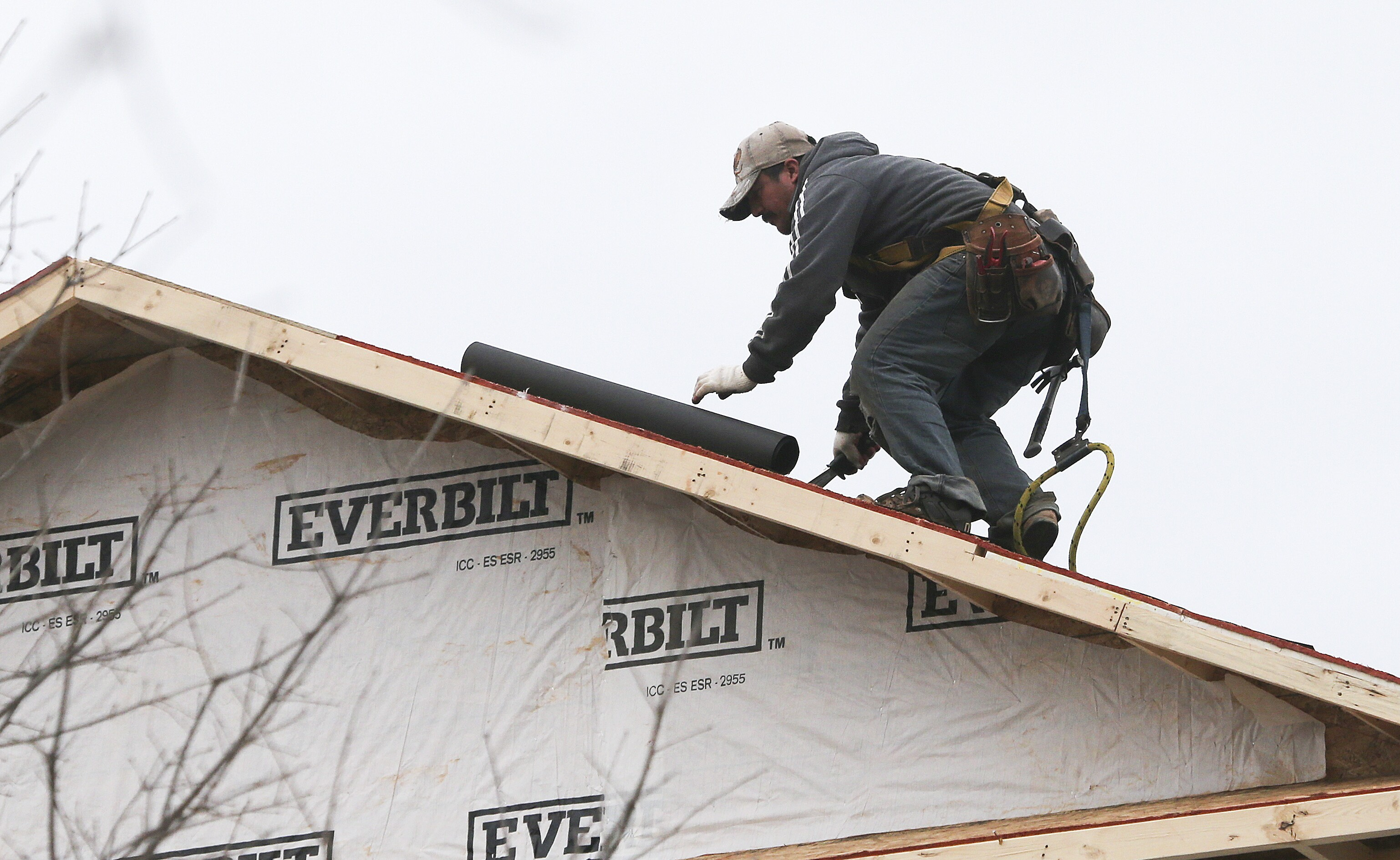 Pew: 72% of illegals have jobs, biggest in construction