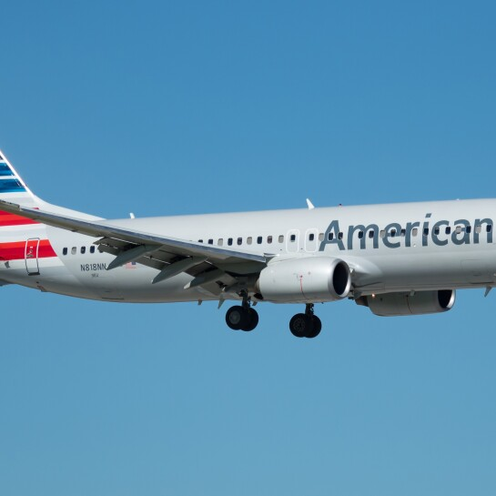 American_Airlines_Boeing_737-823_(N818NN)_at_Miami_International_Airport.jpg