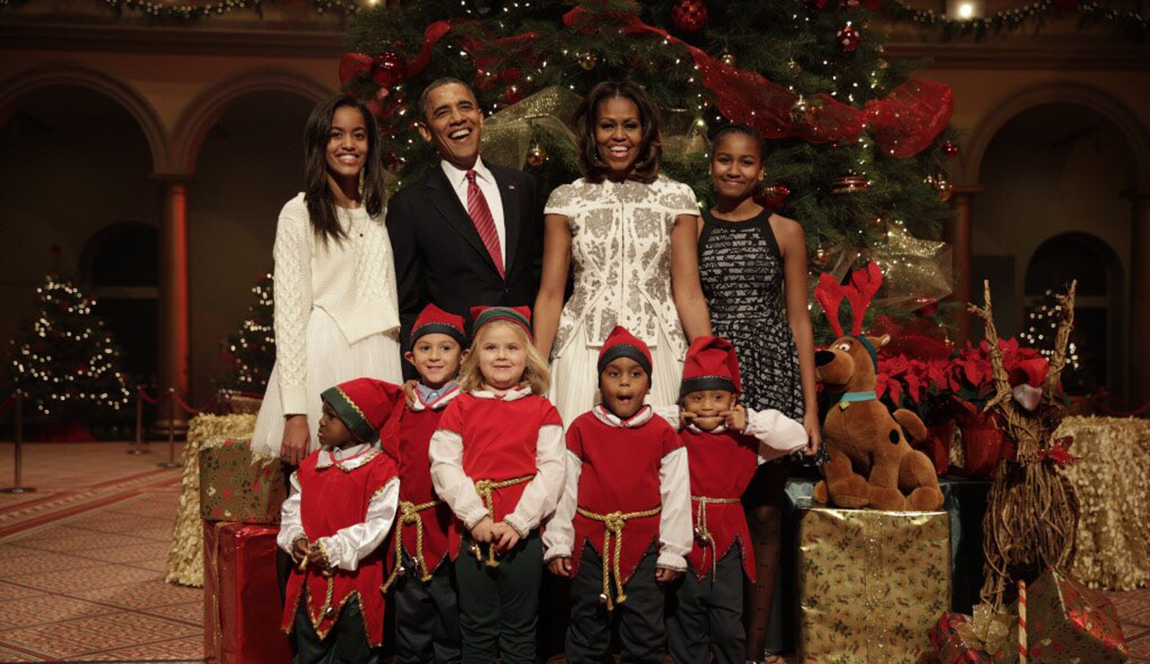 Obama sends holiday message: \'On behalf of the Obama family, Merry ...