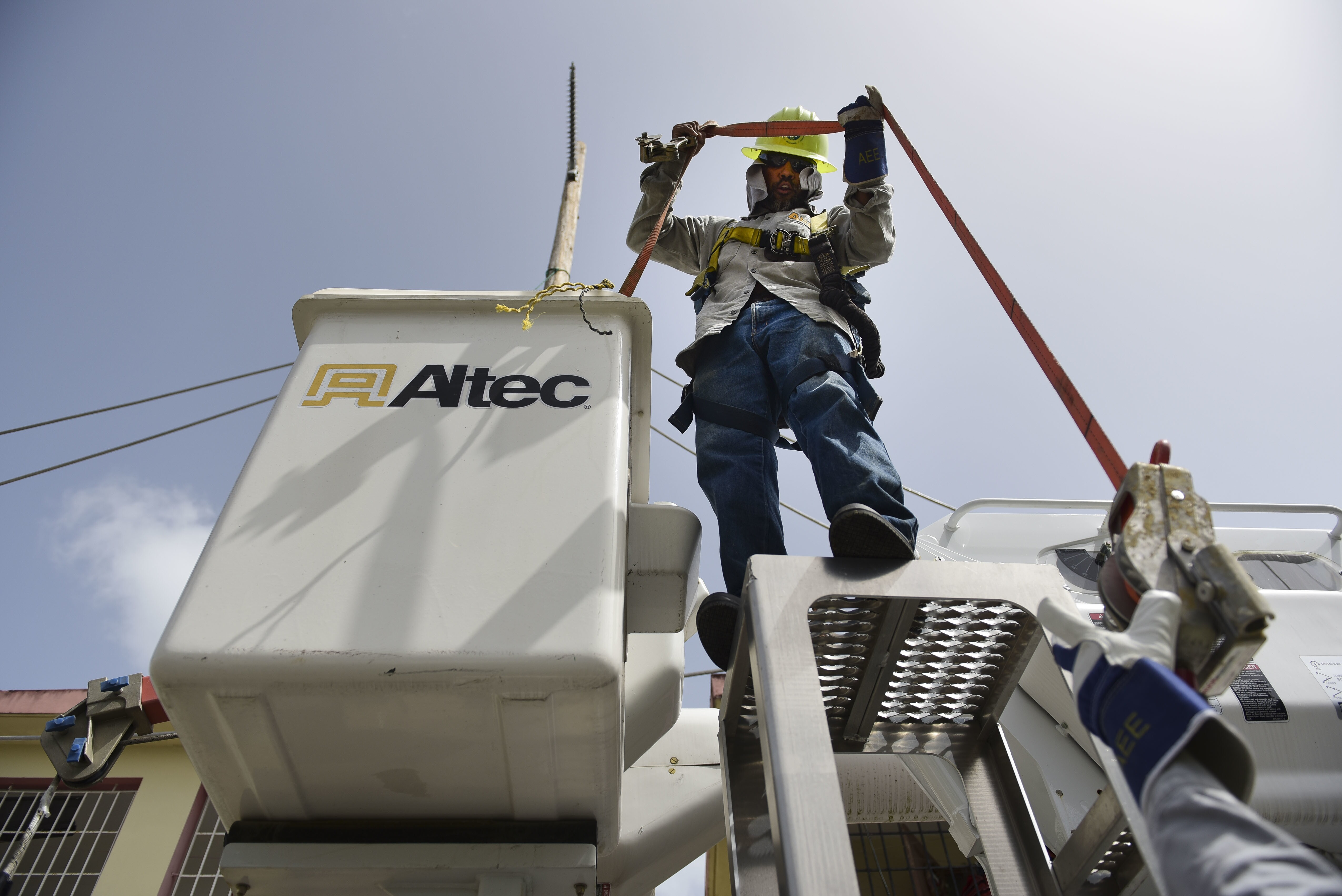 House panel investigating Puerto Rico\'s power authority for corruption