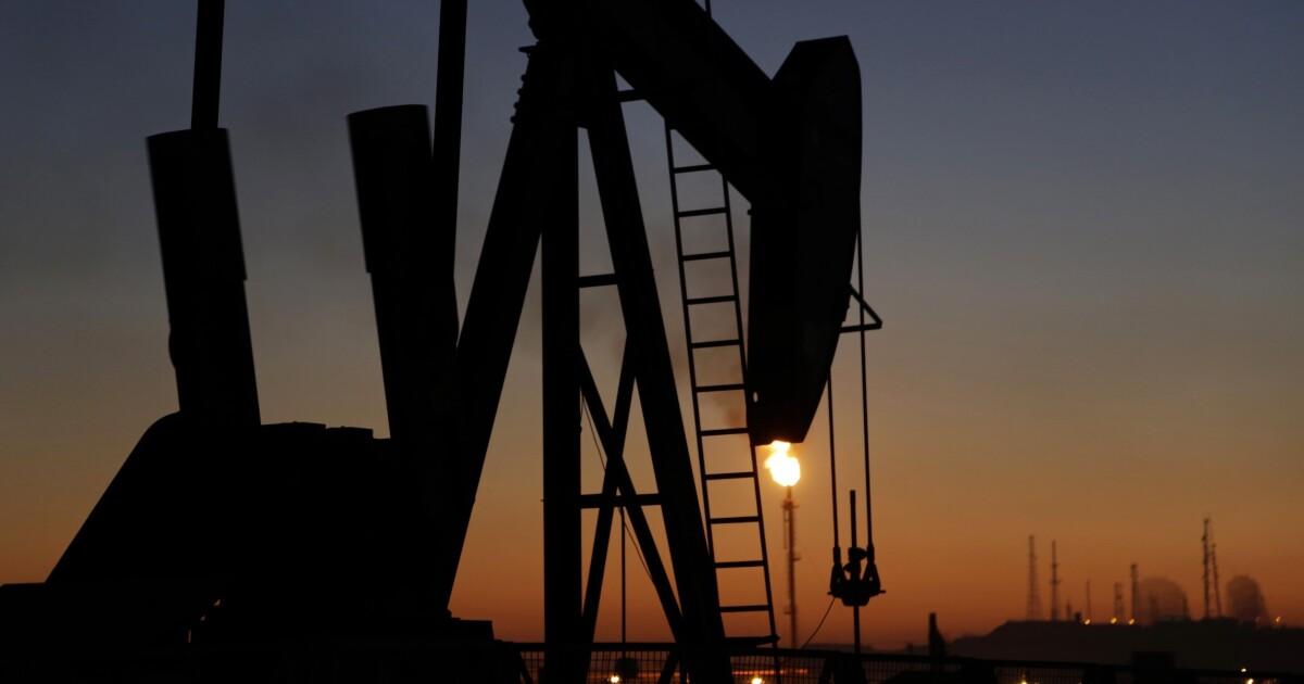 Expert makes the case for $400 per barrel oil
