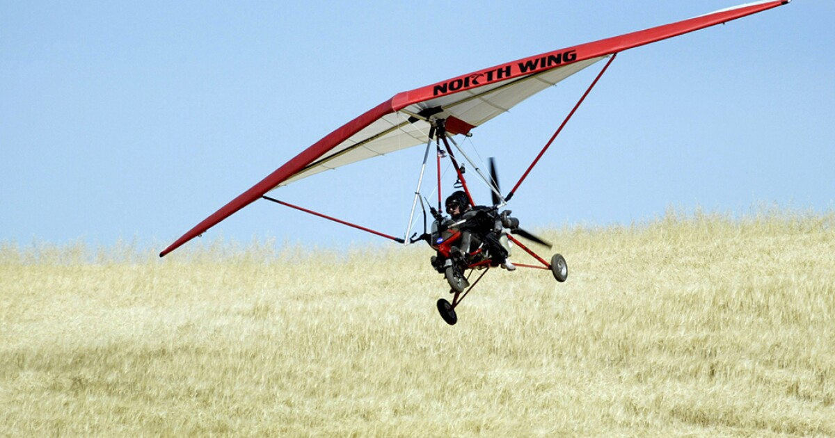Ultralight plane flies over border wall and drops $500,000 in hard drugs in California town