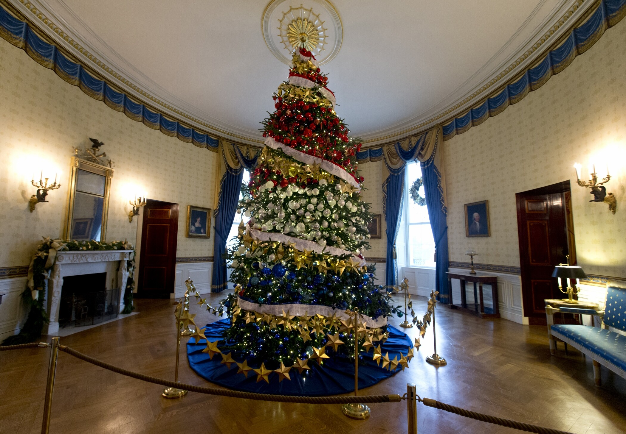 melania trump to accept white house christmas tree next week - Melania Trump Christmas Decorations
