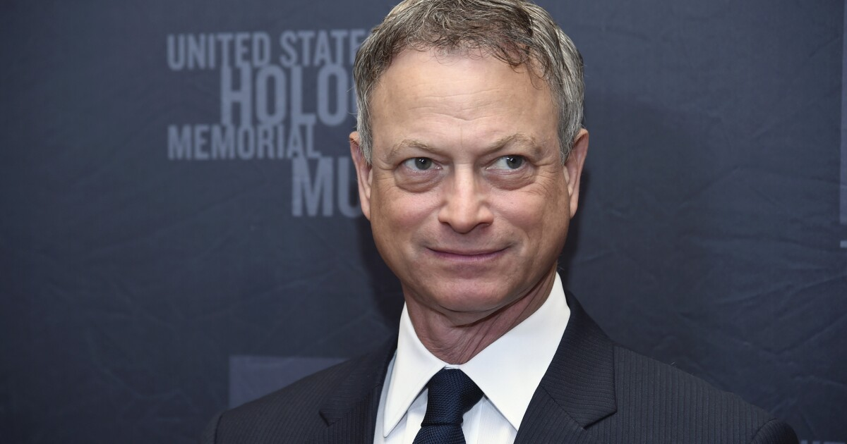 Actor Gary Sinise recognized with Congressional Medal of Honor Society's Patriot Award for supporting veterans