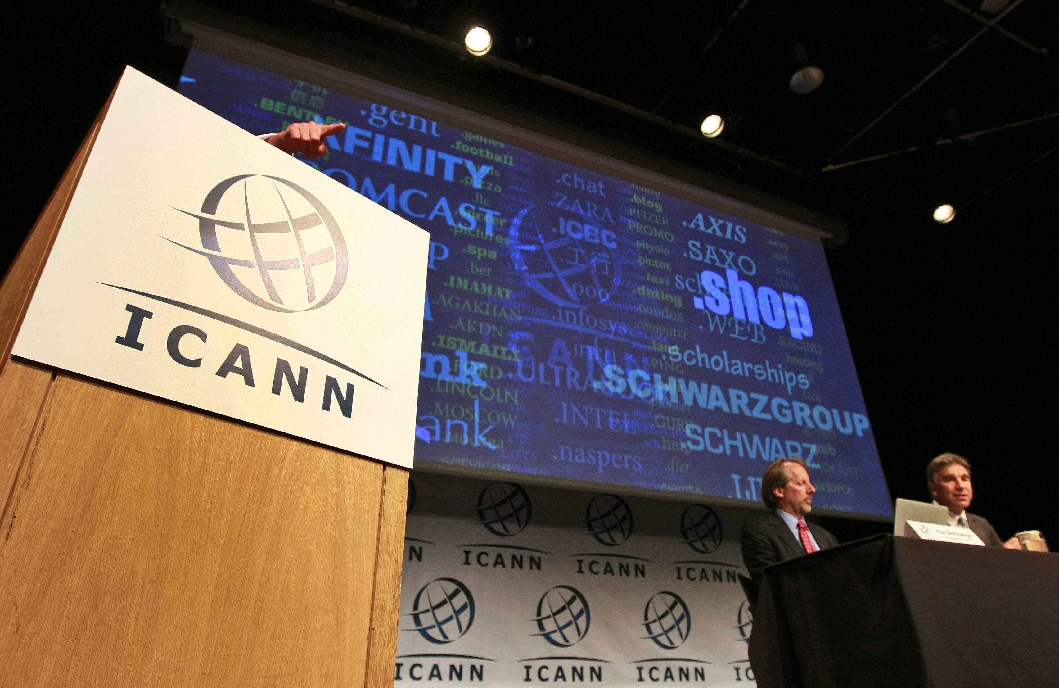 News Summary: Privacy gaffe in Internet bids