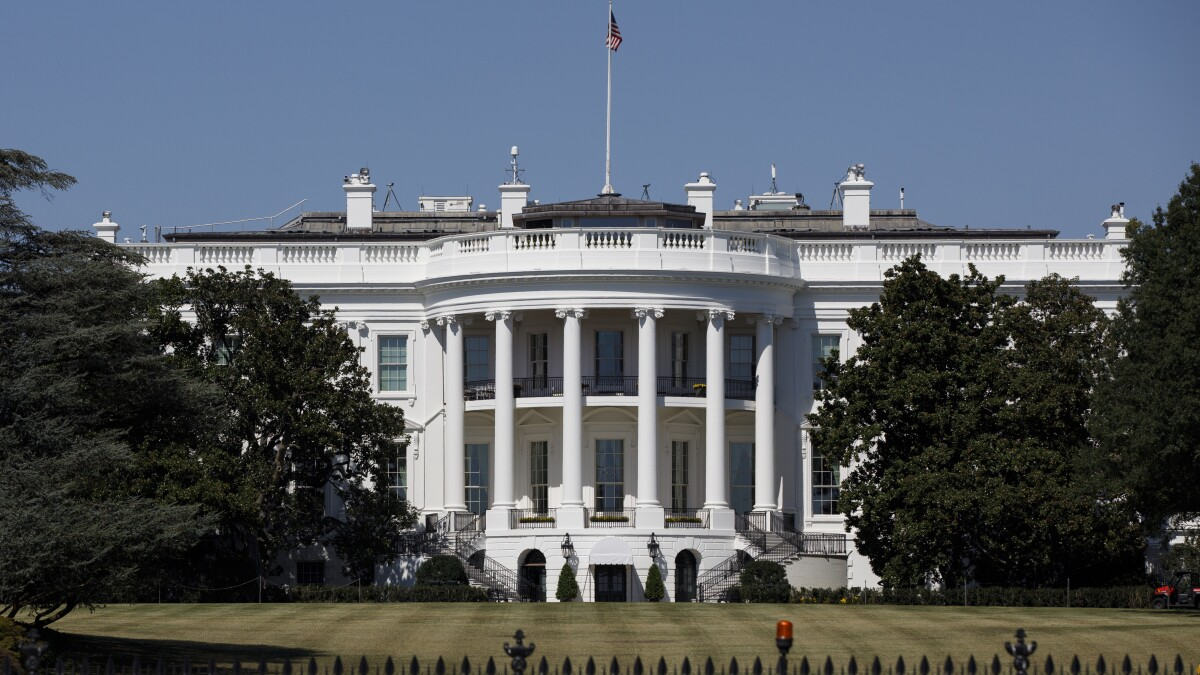 Intense White House buzz about identity of whistleblower and sources