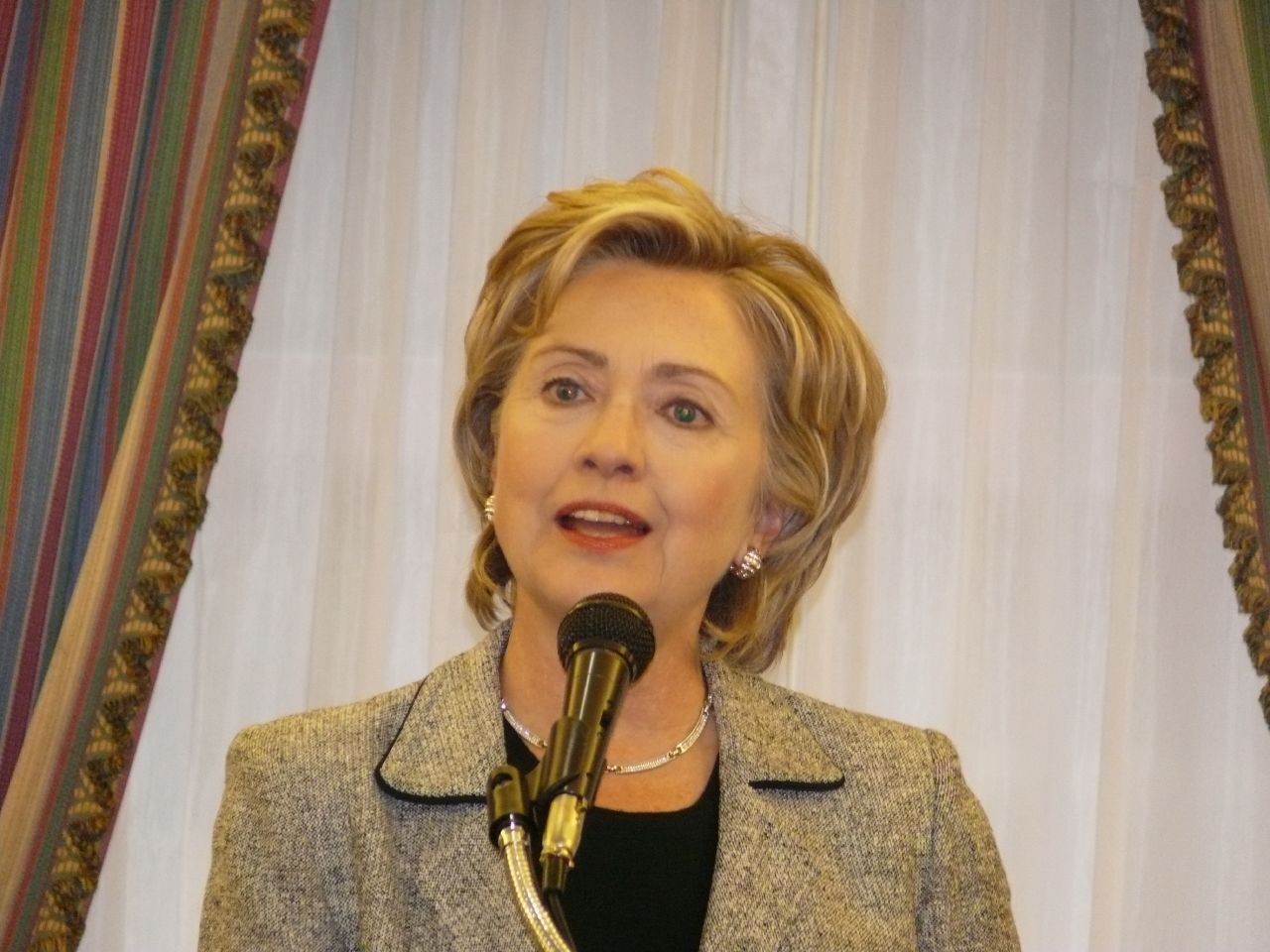 Hillary Asked Whether Juanita Broaddrick Kathleen Willey And Paula