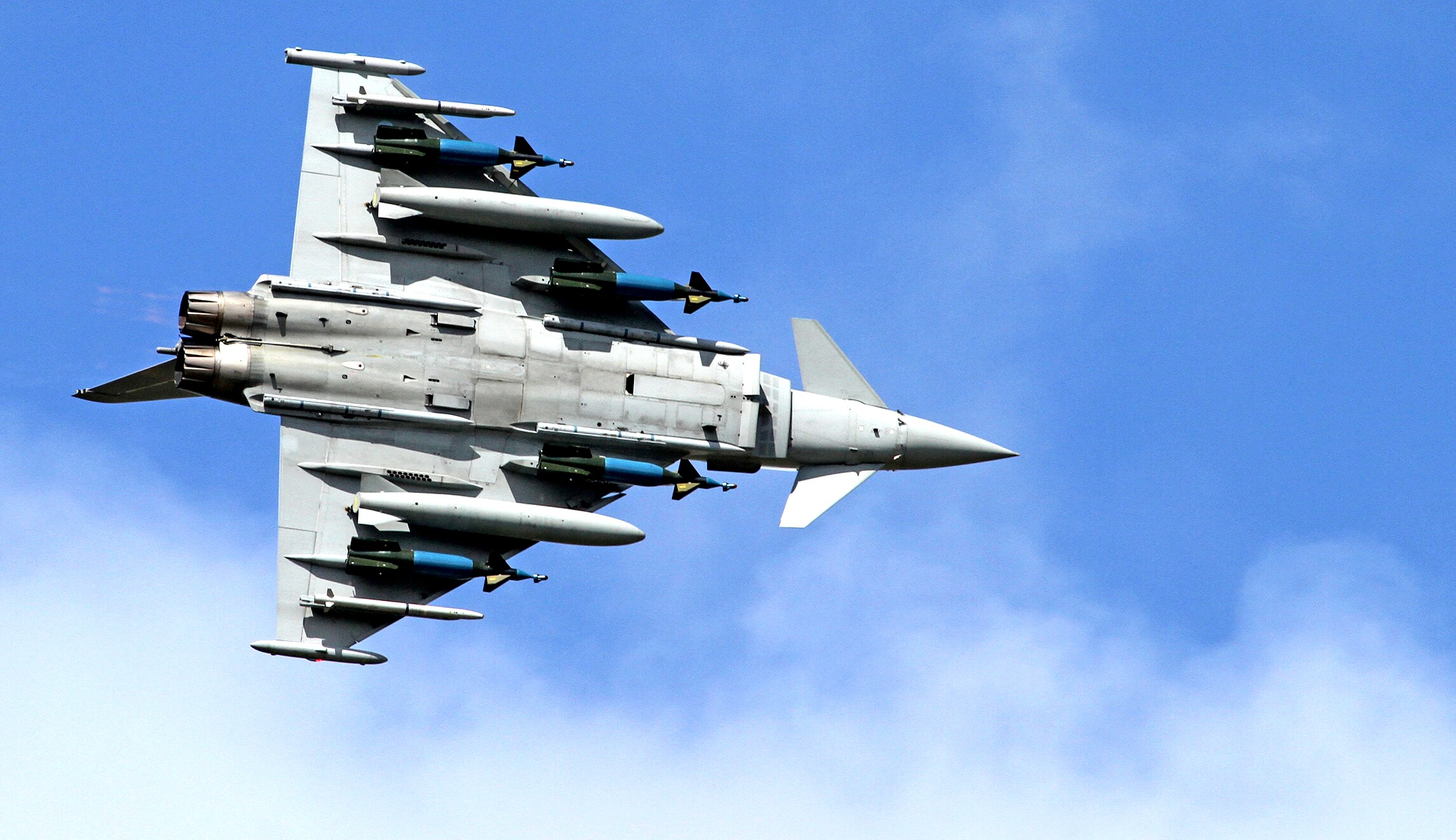 The very political reason Qatar buys different fighter
