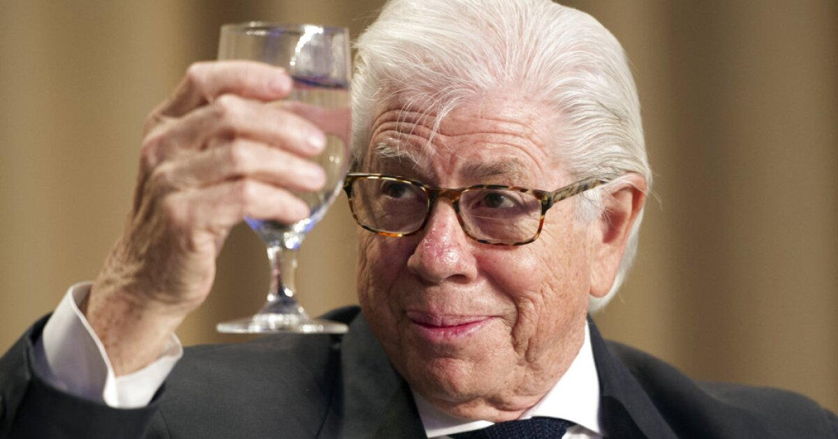 Carl Bernstein calls for investigation into supporters of 'psychopath' Trump