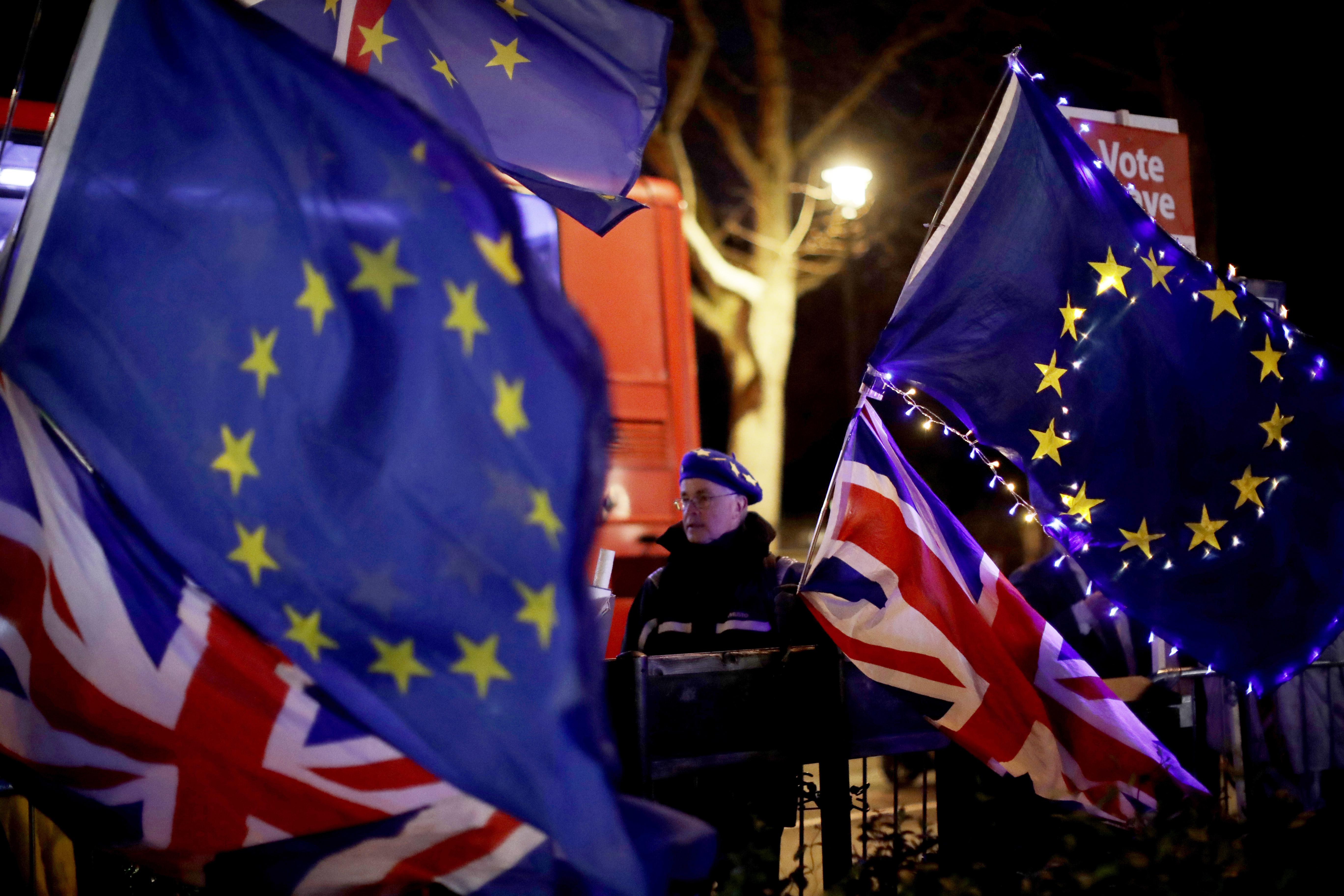 washingtonexaminer.com - Parliament goes chicken on Brexit